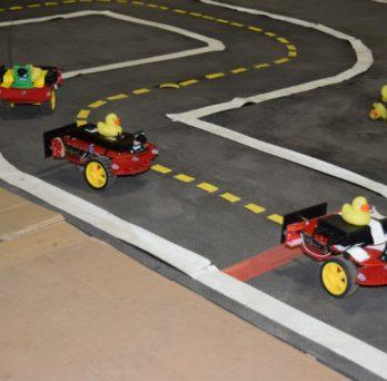 Duckiebots AVs follow lanes